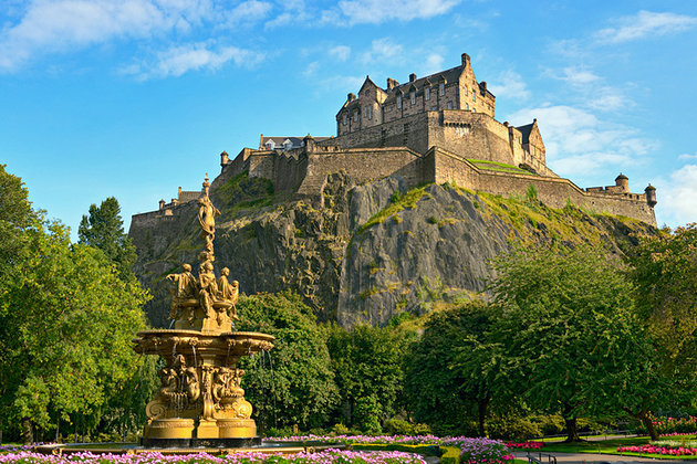 scotland-edinburgh-castle-day